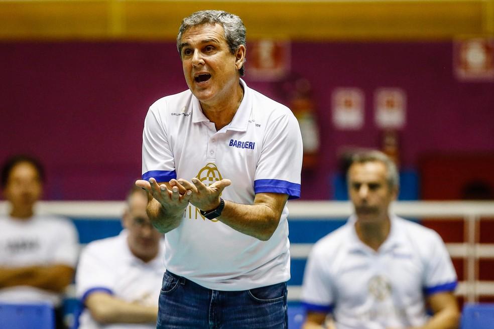 José Roberto Guimarães, técnico do Barueri (Foto: Gaspar Nóbrega/Hinode/Inovafoto)