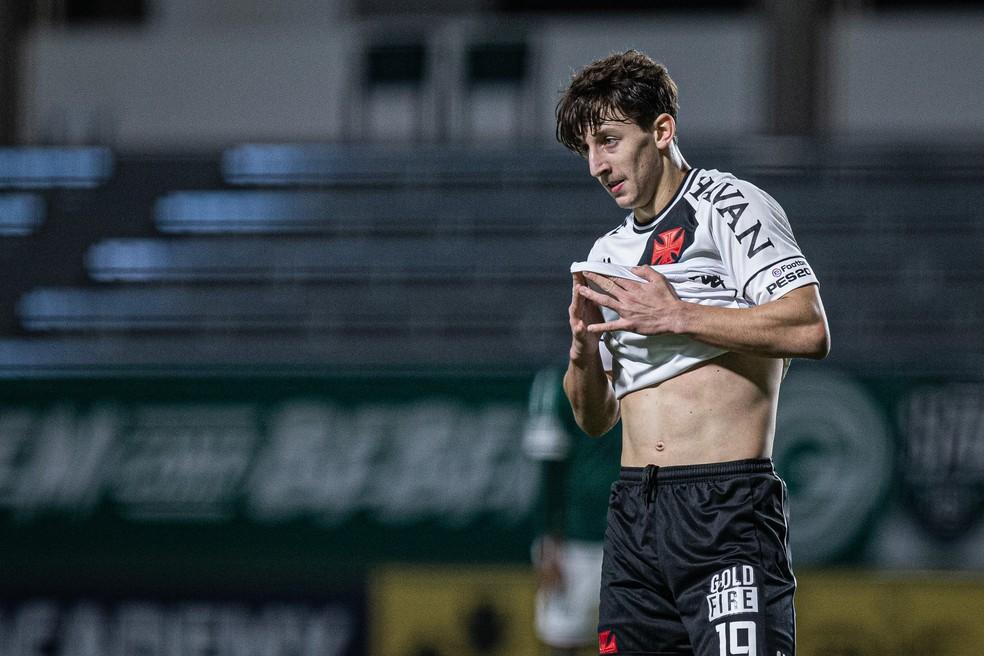 Galarza se lamenta durante jogo do Vasco — Foto: Heber Gomes/AGIF