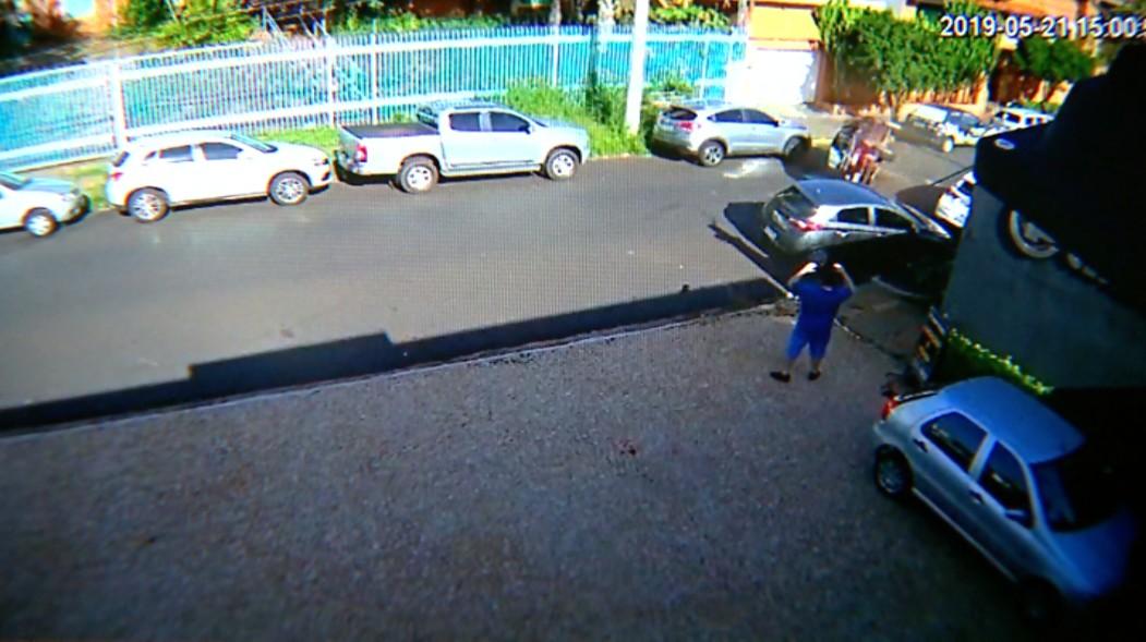 Idoso capota carro após acidente na zona sul de Ribeirão Preto, SP; vídeo - Noticias