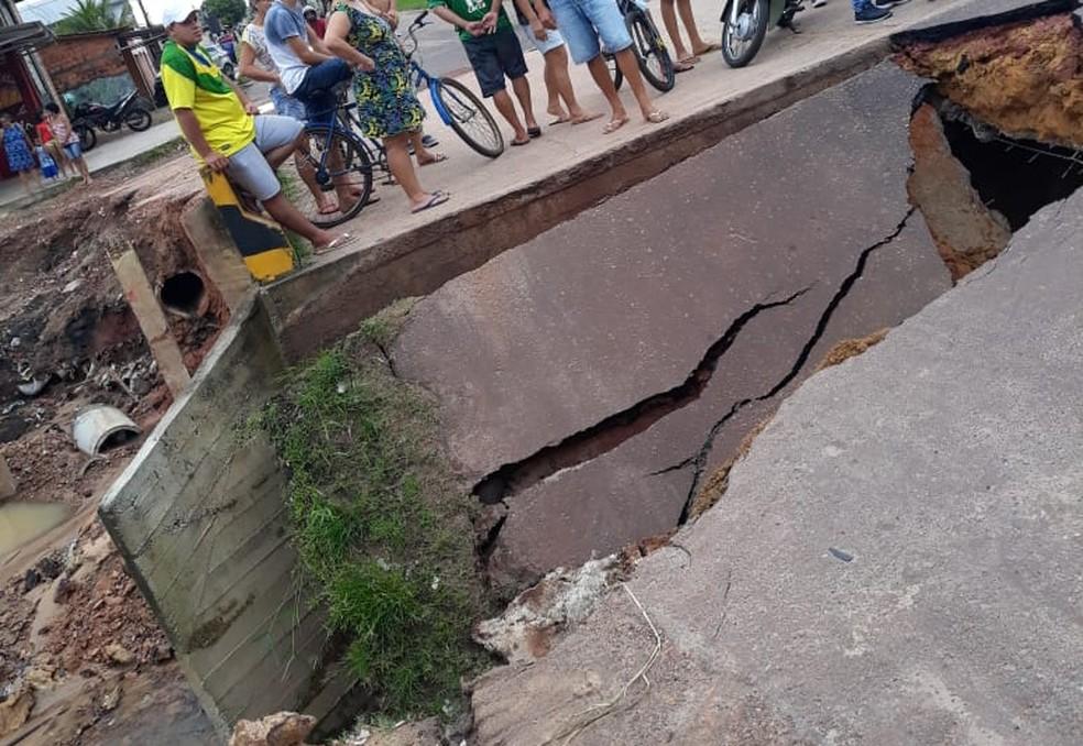 whatsapp image 2019 04 20 at 19.13.44 - Erosão causa cratera em alameda, em Castanhal