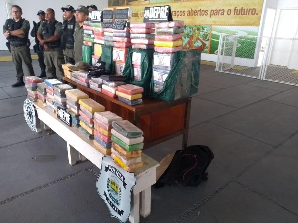 Depre e Polícia Militar participaram da coletiva (Foto: Alan Garcia/TV Clube)