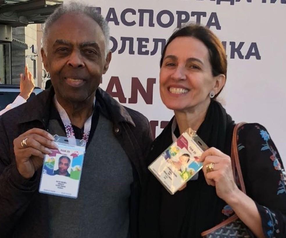 -  Gilberto Gil e Flora Gil na Copa do Mundo, em Moscou  Foto: Reprodução/Instagram/Gilberto Gil