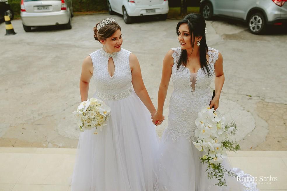Adrieli e Anelise fizeram o casamento no civil em dezembro de 2017, em Florianópolis. (Foto: Rodrigo Santos Fotografia)