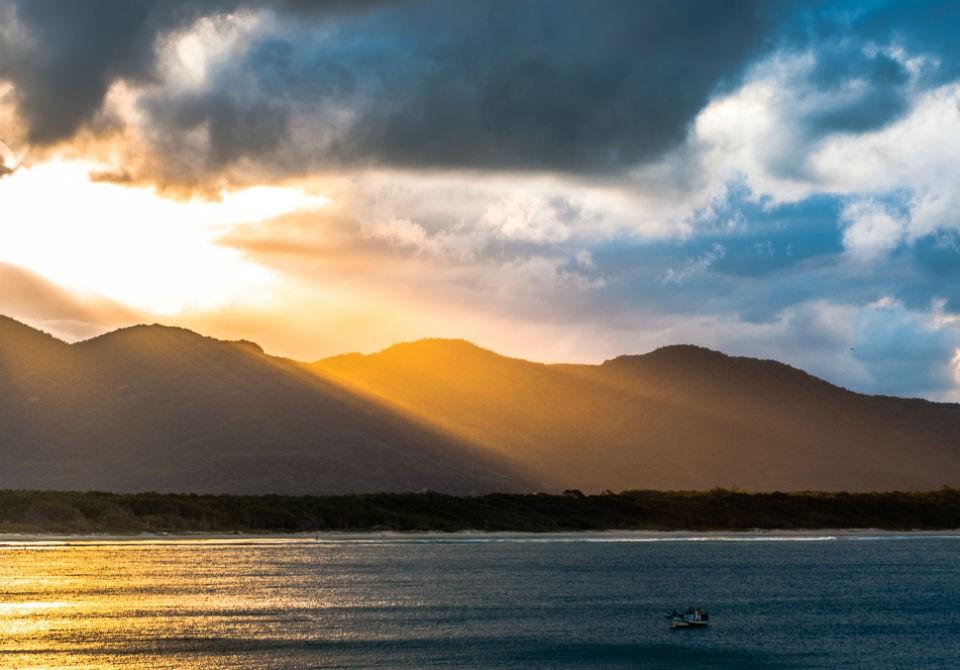 Quinta-feira tem previsão de aberturas de sol com aumento de nebulosidade em SC - Notícias - Plantão Diário