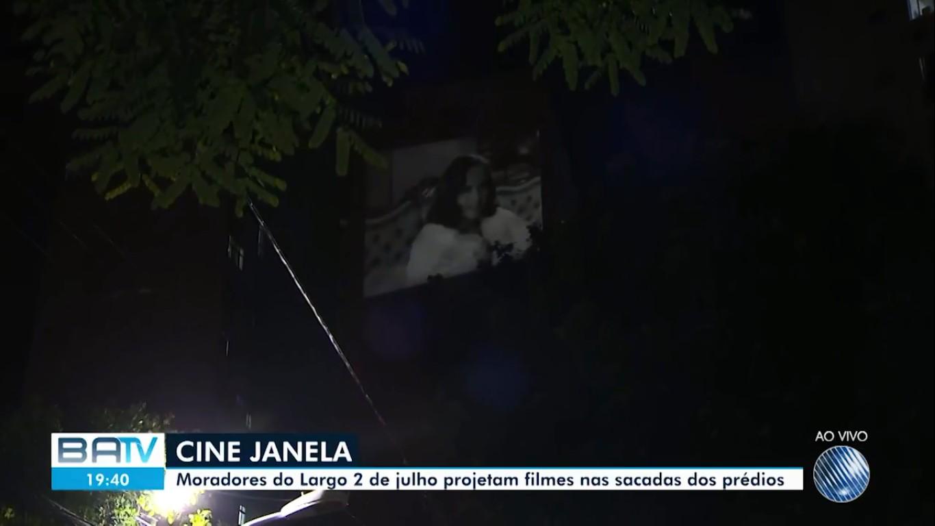 'Cine Janela': grupo projeta filmes em fachada de prédio para moradores em isolamento social, em Salvador