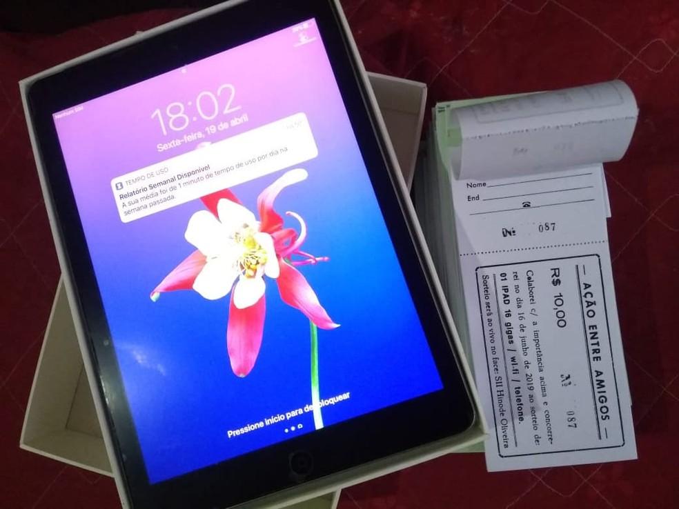 Tablet rifado pela família de Oliver era de uso pessoal da família, moradora de Registro, SP — Foto: Arquivo Pessoal