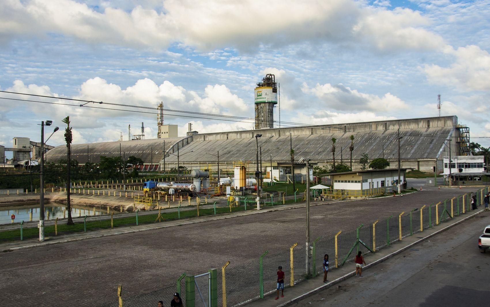 Petrobras analisa única proposta recebida para arrendamento das Fafens de Sergipe e da Bahia - Notícias - Plantão Diário
