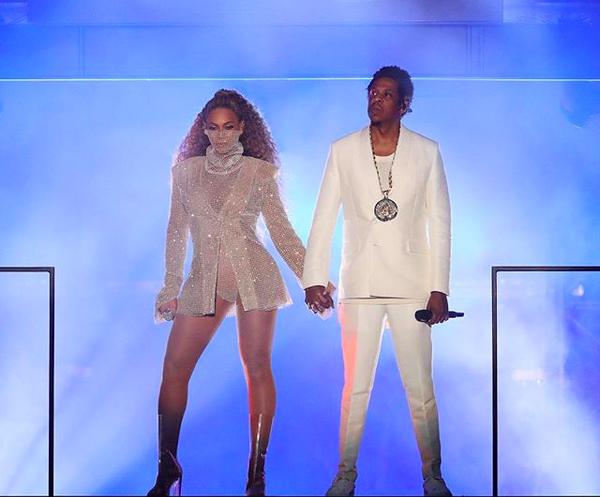 Beyoncé e Jay-Z em um dos primeiros shows da atual turnê do casal (Foto: Instagram)
