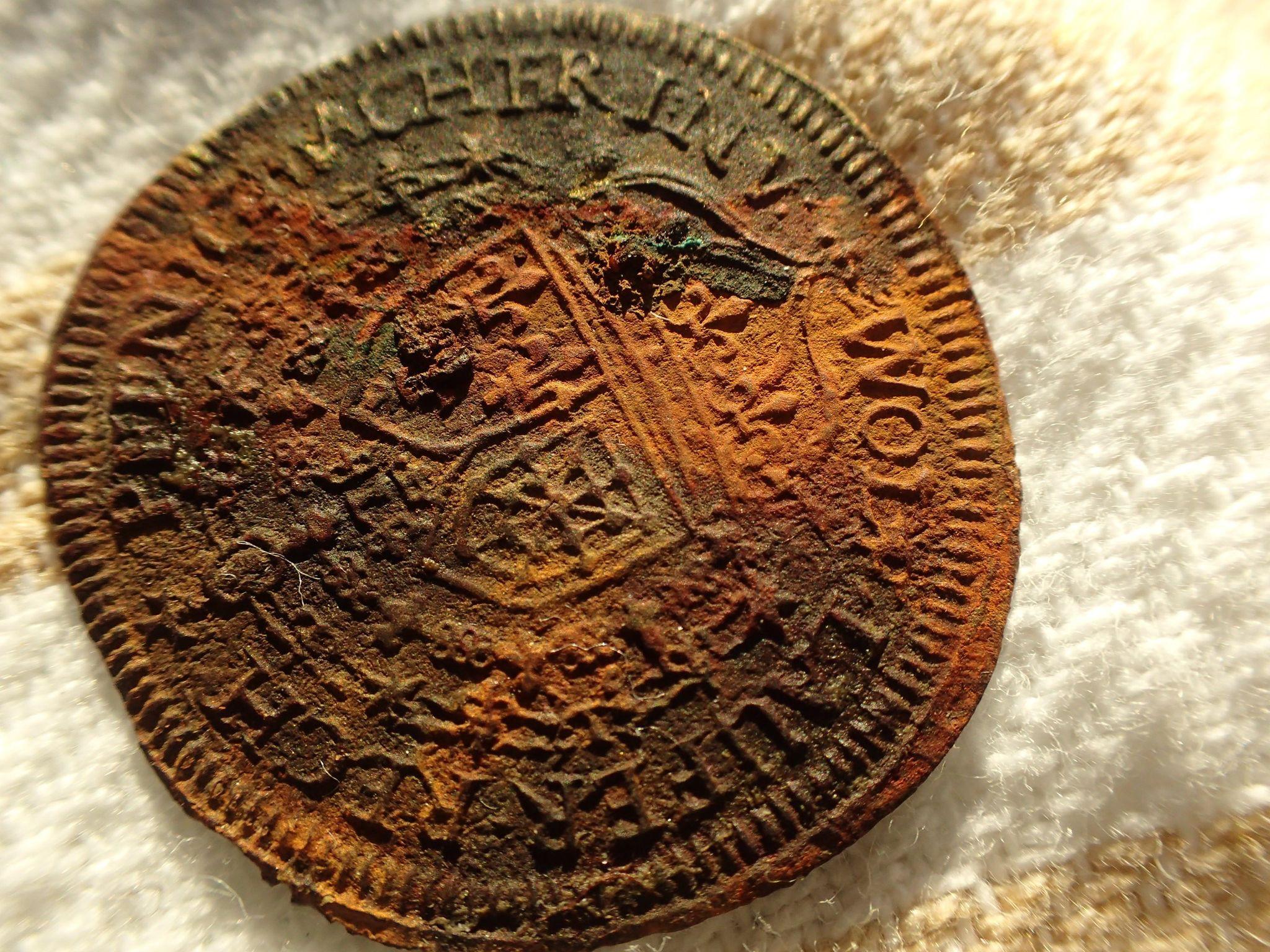 Os arqueólogos também fizeram descobertas da vida diária no navio — incluindo uma moeda de cálculo que foi usada como calculadora na época. (Foto: Morten Johansen / Museu do Navio Viking em Roskilde, Dinamarca)