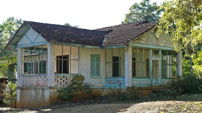 Nem todas as casas eram iguais, mas a moradia era gratuita (Foto: Getty Images/BBC)