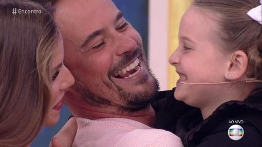 Paulinho Vilhena se emociona com afilhada Luisa: 'A paternidade que eu não tive, eu exerci muito com ela'