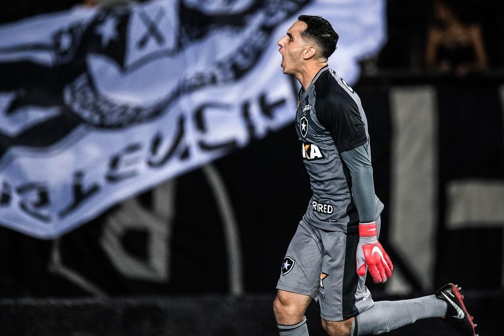Gatito Fernández é bom pegador de pênaltis — Foto: Jorge R Jorge/BP Filmes