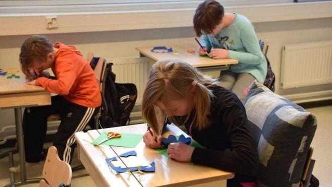 Na Finlândia, alunos têm poucas provas (Foto: Divulgação BBC)