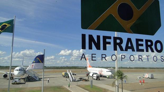 Logotipo da Infraero é visto em aeroporto (Foto: Reprodução/Facebook)