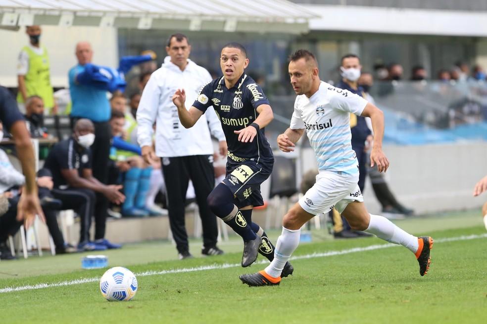 Grêmio de Rafinha perde para o Santos na Vila Belmiro — Foto: Wilian oliveira/Futura Press