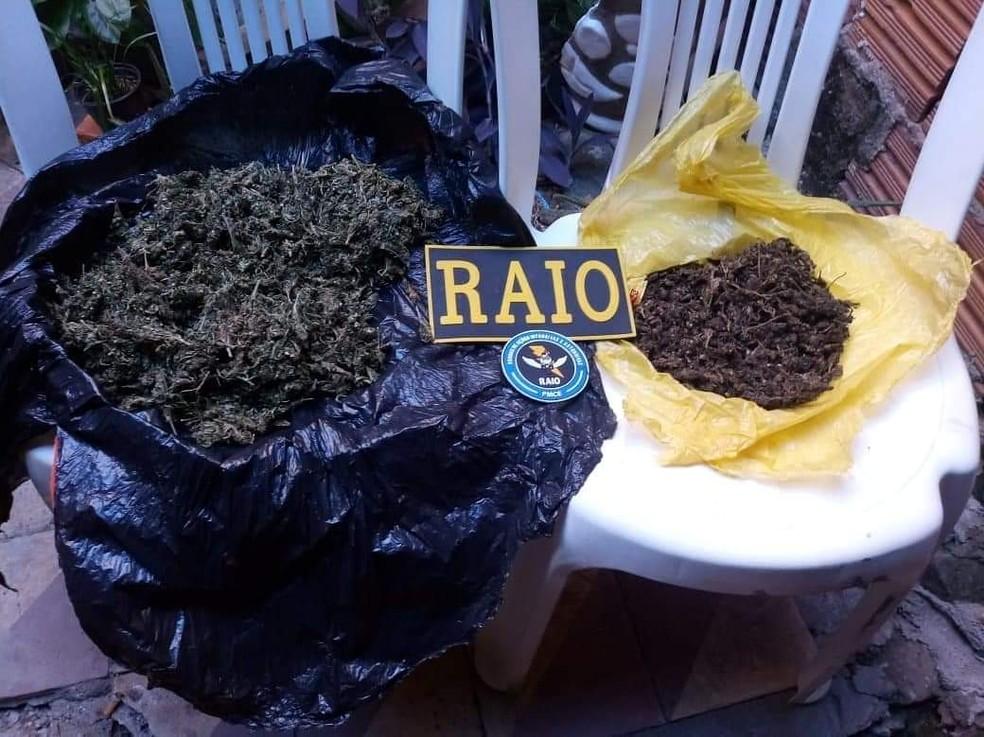 Droga encontrada na casa de um dos suspeitos. — Foto: Divulgação