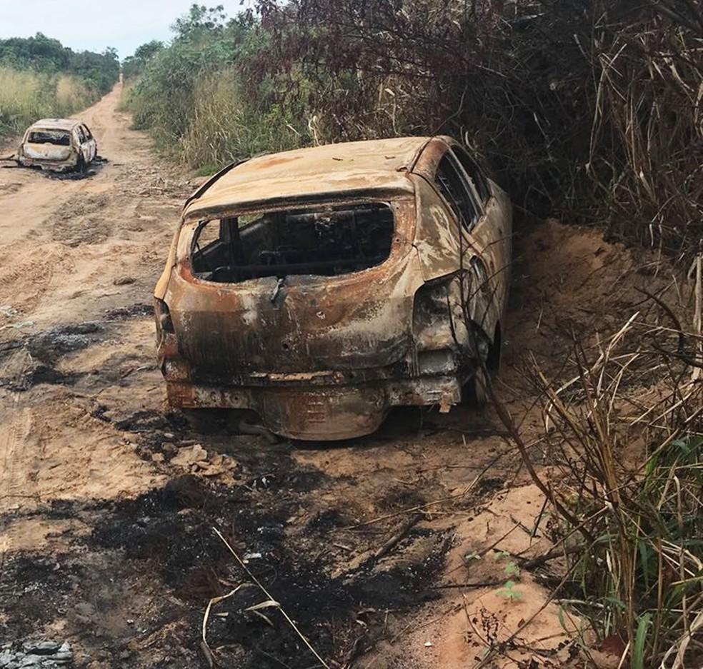 Corpos foram encontrados em uma estrada de terra entre Pium de Cima e Cajupiranga (Foto: Kleber Teixeira/Inter TV Cabugi)
