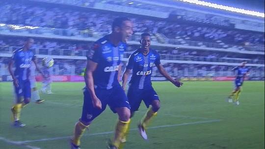 """Gum refuta falha em gol da vitória do Santos sobre o Flu: """"Erro coletivo"""""""