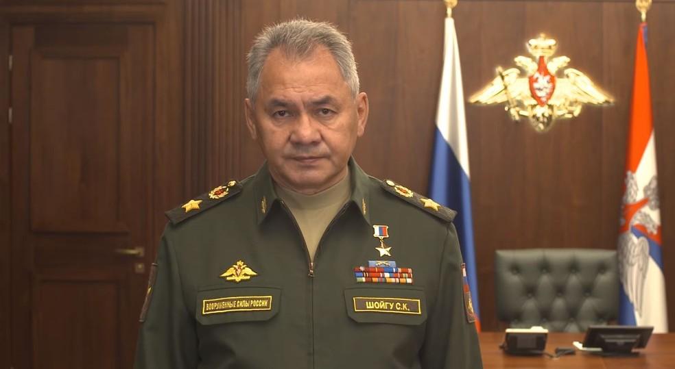 Ministro Shoigu anuncia envio do sistema S-300 para a Síria — Foto: Reprodução/Facebook/Ministério da Defesa Rússia