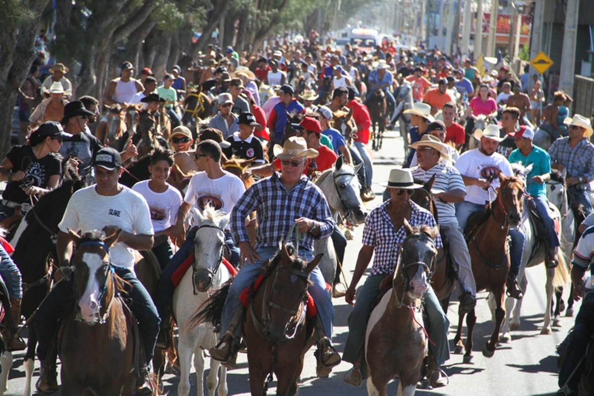 Farol de São Thomé, em Campos, RJ, tem cavalgada turística neste domingo