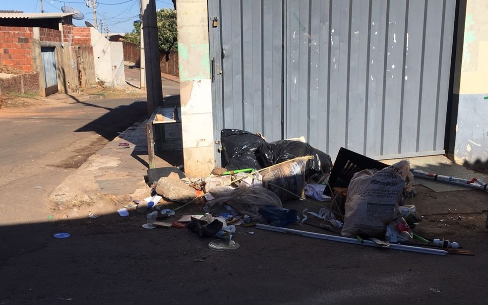 Mário Pereira Correa é morto após discutir com o vizinho por causa de lixo em Anápolis, Goiás (Foto: Divulgação/ TV Anhanguera)