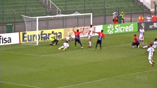 Trindade goleia o Bragantino e garante a classificação no Grupo 30 da Copinha