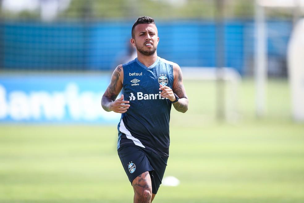 Matheus Henrique em treino físico do Grêmio — Foto: Lucas Uebel/Grêmio