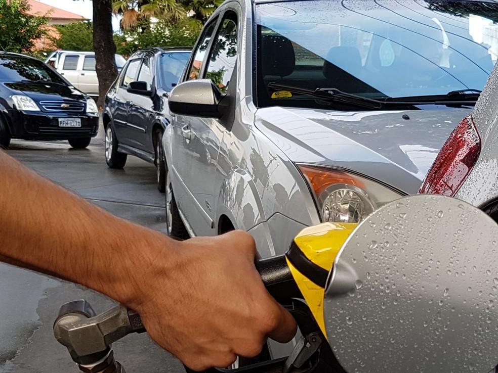 Petrobras poderá manter preço da gasolina por até 15 dias. (Foto: Divulgação CDL Jovem Florianópolis)