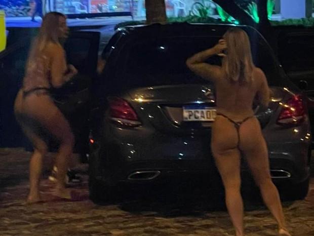 PK Delas sendo preso por atentado ao pudor no Rio (Foto: Quem/ Ed. Globo)