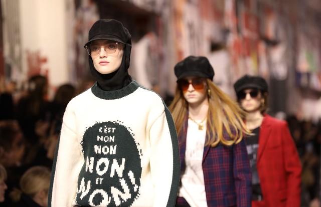 O suéter-cartaz da Dior (Foto: Gerson Lírio/Fashiontomax)