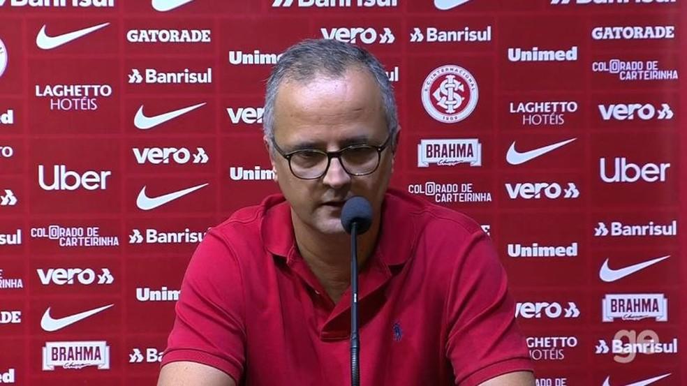 Roberto Melo não banca permanência de Odair — Foto: Reprodução
