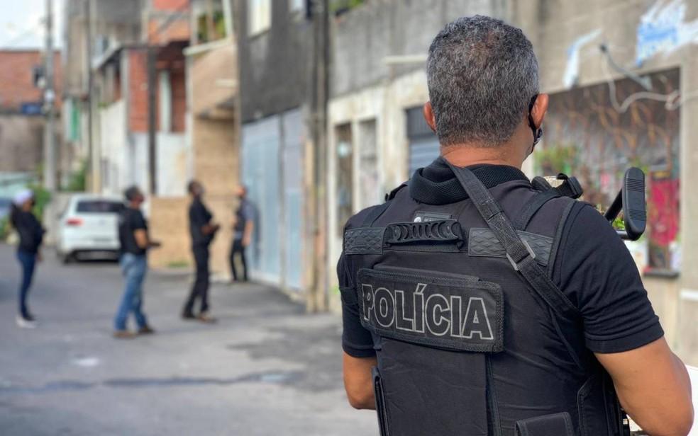 Suspeito de matar mulher a pauladas e abandonar corpo em lixão de Lauro de Freitas é preso — Foto: Tony Silva/Polícia Civil