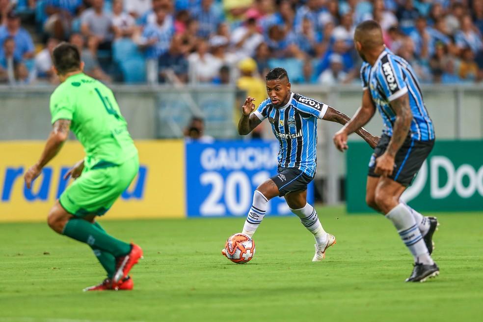 Marinho e Jael somaram pontos nas brigas por titularidade — Foto: Lucas Uebel / Grêmio / Divulgação