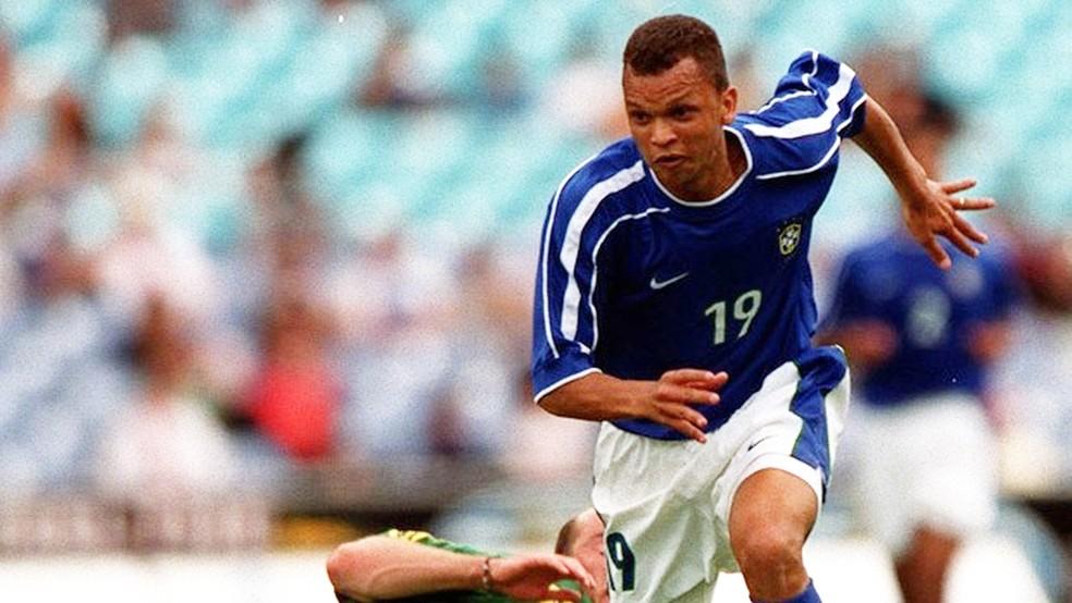 Ex-jogador vestiu a camisa da seleção brasileira entre 1997 e 2001 (Foto: Getty Imagens)