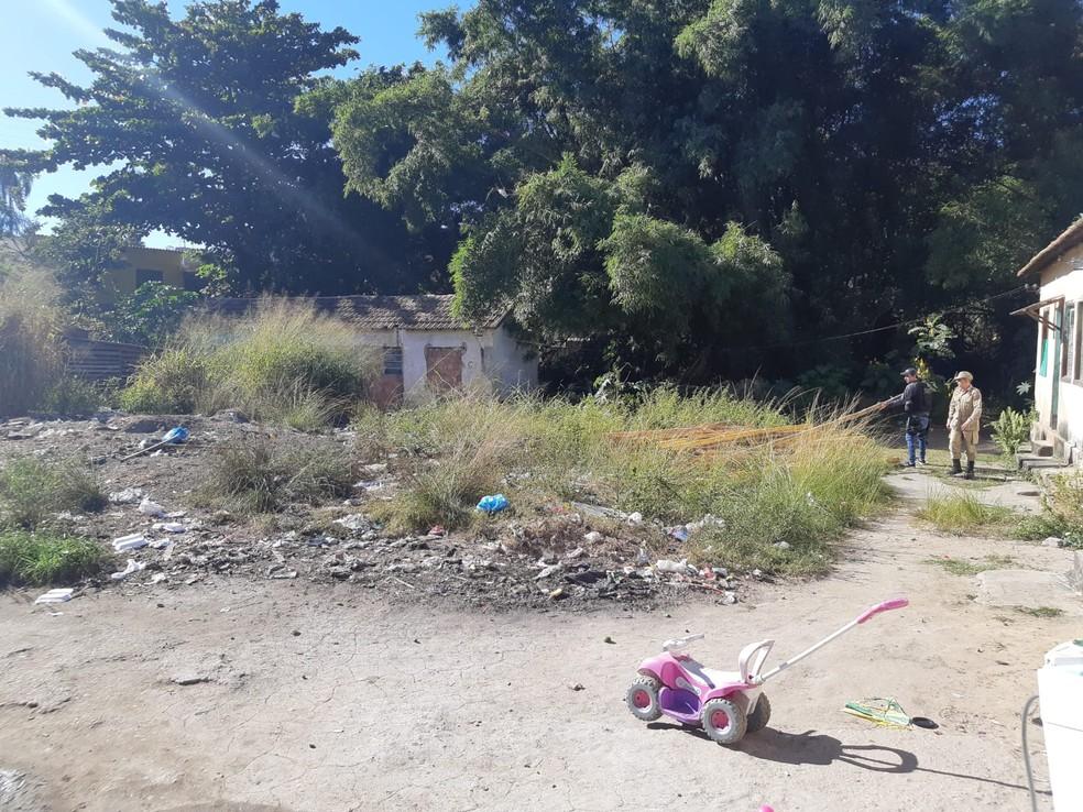 Policiais fazem buscas no Complexo do Castelar na investigação do caso dos três meninos desaparecidos no fim de 2020 em Belford Roxo — Foto: Divulgação