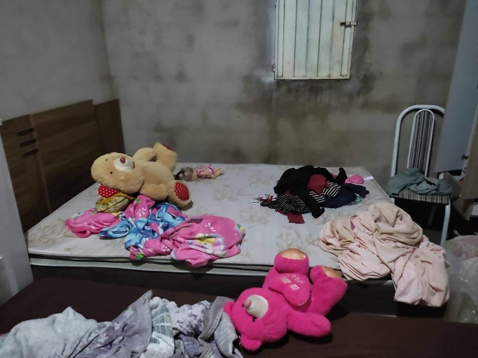 Homem é preso após esposa fugir de casa com filha de cinco anos e denunciar agressões no Sul do Piauí — Foto: Divulgação/PM