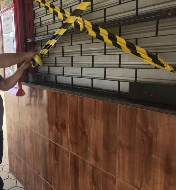 Proprietários de quiosques são autuados por abrir comércios descumprindo decreto em Baturité