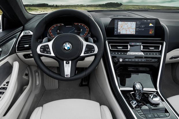 interior do BMW Série conversível M850i (Foto: divulgação)