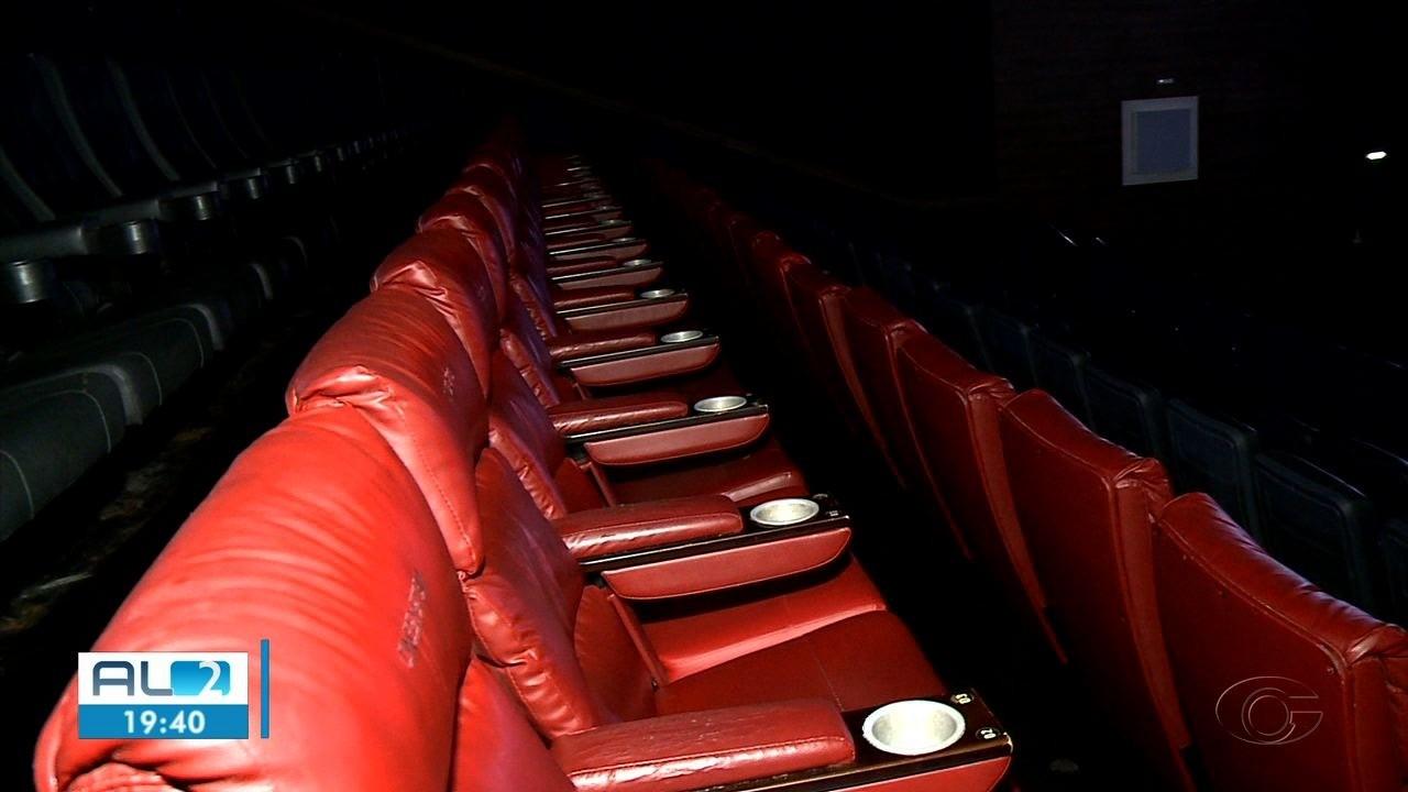 Cinemas estão fechados em Alagoas por causa da pandemia há quase um ano