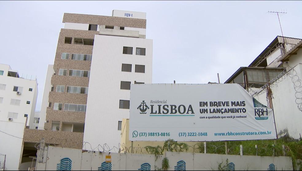 Empresários abandonaram empreendimento em fase de construção na cidade  — Foto: Reprodução/TV Integração