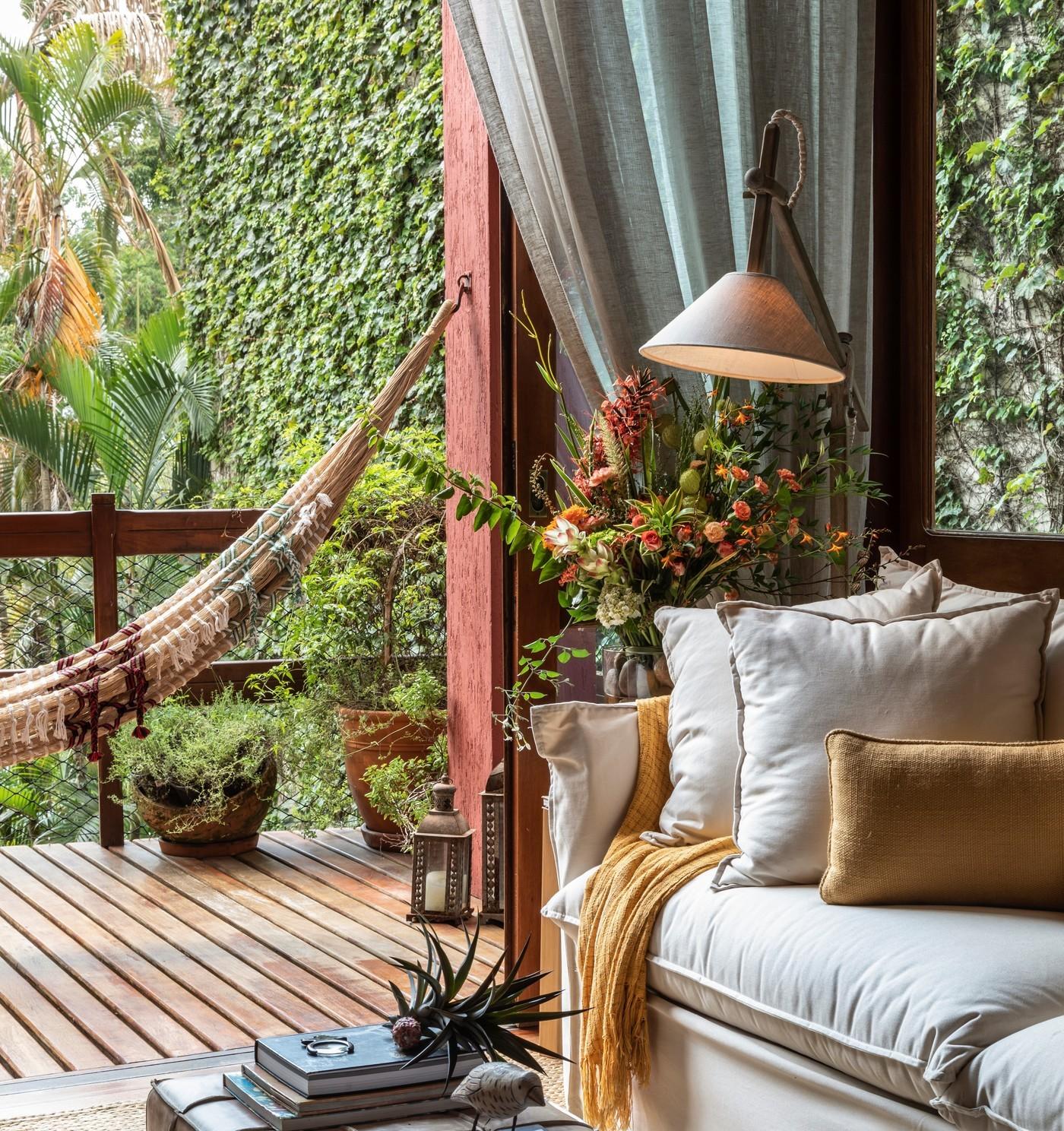 Décor do dia: sala de estar com estilo rústico e clima de campo (Foto: Divulgação)