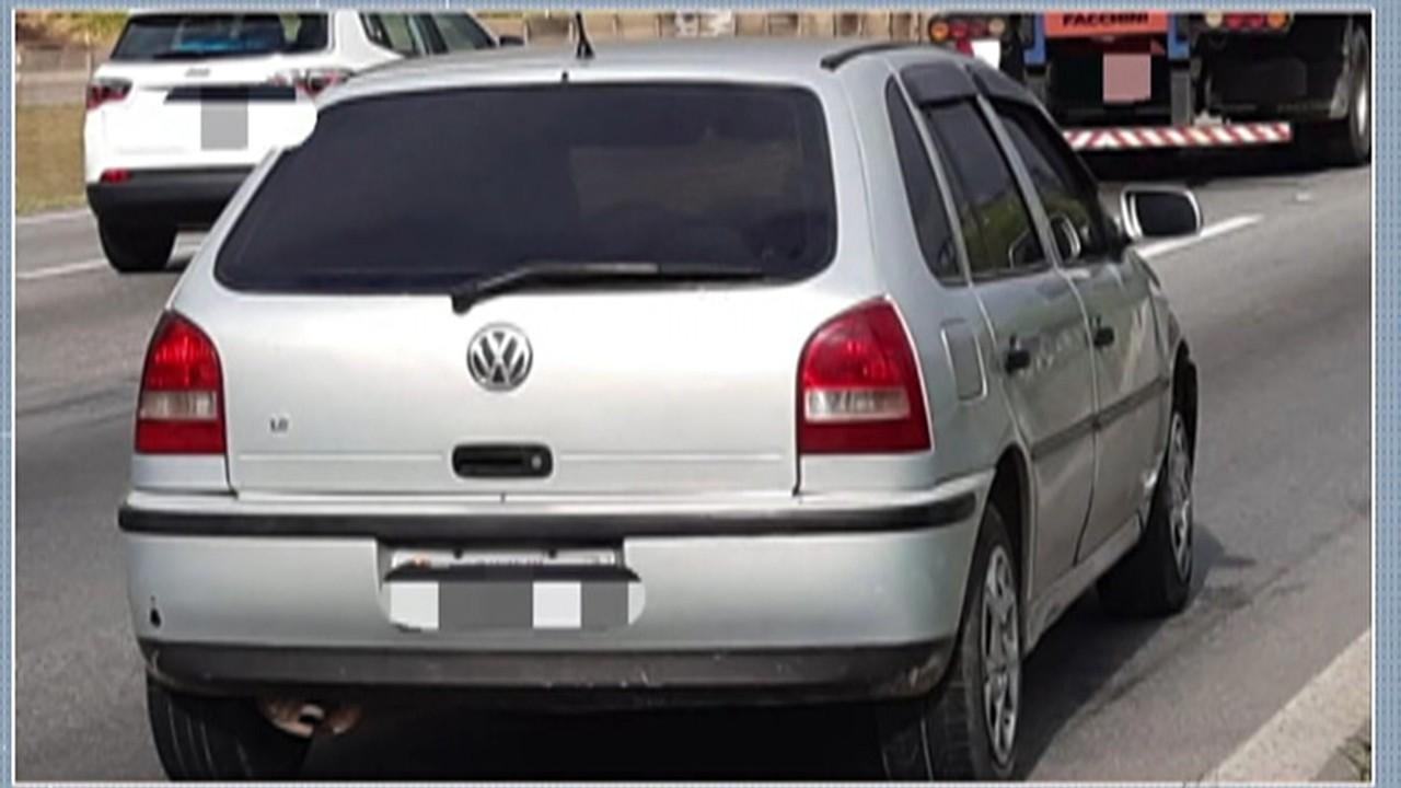 Polícia prendeu dupla suspeita de roubar van e fazer ocupantes reféns em Itaquaquecetuba