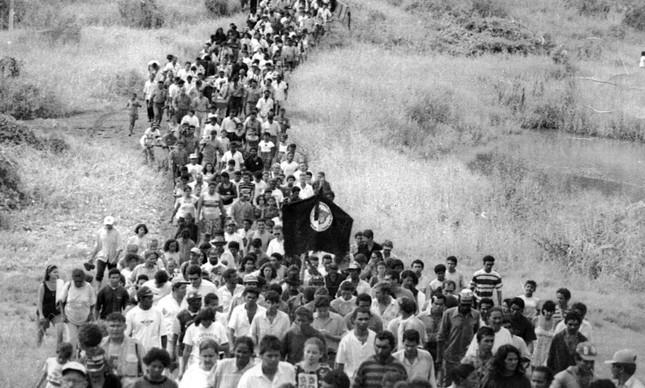 Enterro dos trabalhadores mortos no massacre em Eldorado