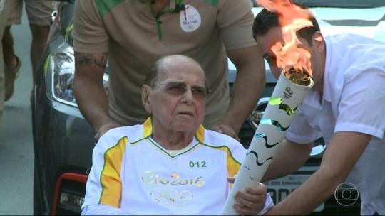 Corpo de Ivo Pitanguy é cremado no Rio