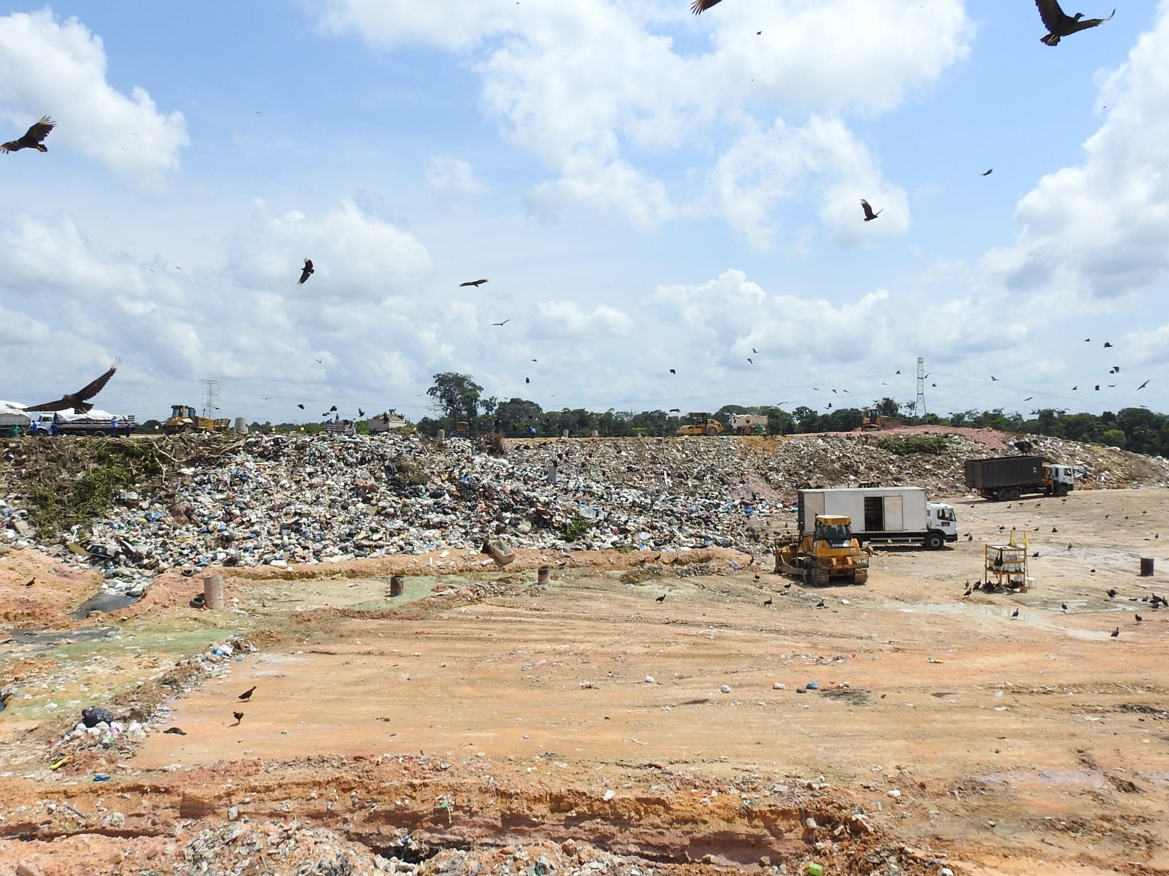 Conselheiros do TCE-AM fazem visita técnica ao aterro sanitário de Manaus - Notícias - Plantão Diário