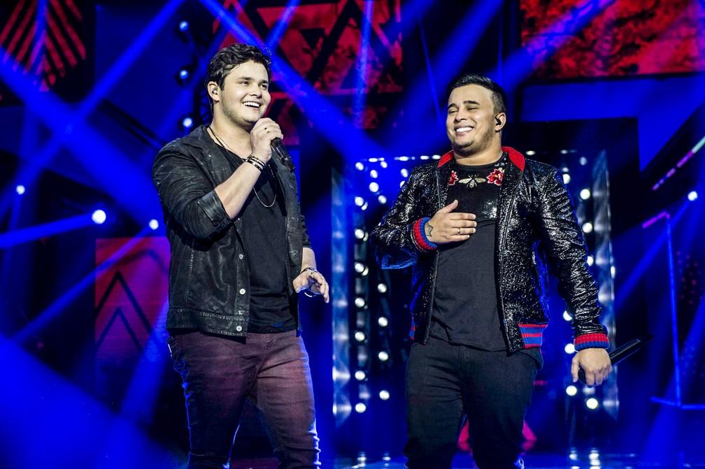 Matheus e Kauan durante gravação do DVD 'Intensamente hoje', em São Paulo (Foto: Cadu Fernandes/Divulgação)