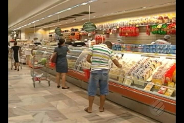 TRT aprova o funcionamento dos supermercados aos domingos e feriados