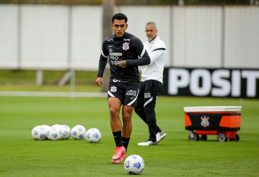 Du Queiroz em treinamento no Corinthians — Foto: Rodrigo Coca/Ag. Corinthians