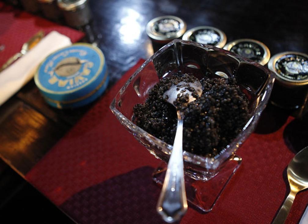 Caviar é preparado para a competição (Foto: Maxim Shemetov/Reuters)