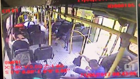 Passageiro que trocou tiros com assaltante em ônibus na Grande Natal ainda não foi identificado